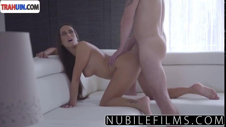 Порно видео брюнеток модельной внешности