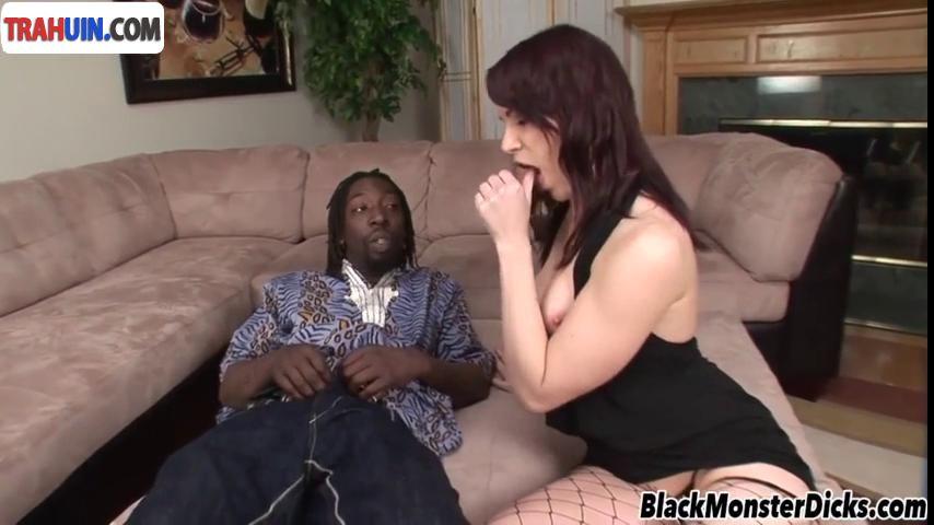 Зрелая женщина соласилась на секс